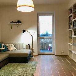 Exkluzívny prenájom 2,5i bytu s garážou v Starom Meste