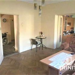 Na predaj 4-izbový poschodový rodinný dom v obci Trnovec nad Váhom