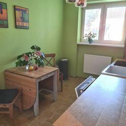 2 izbový zrekonšturovaný byt na Rázusovej ulici - rezervované