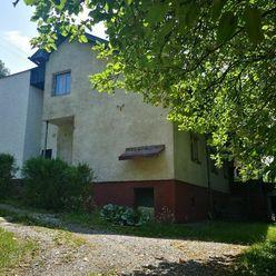 Starší rodinný dom na rekonštrukciu - Bytča časť Hrabové