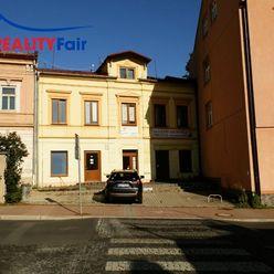 PRENÁJOM-obchodného priestoru s parkovacím miestom - Horná ulica, centrum Banská Bystrica