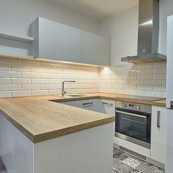 Novostavba LUX 2 izbový byt Prievidza s garážovým státím zariadený