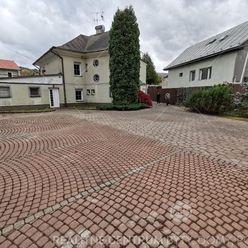 Predaj  polufunkčnej budovy pri Budatínskom zámku, cena: 294.108 EUR, Žilina