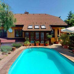 Rodinný dom v obci Limbach s exteriérovým bazénom