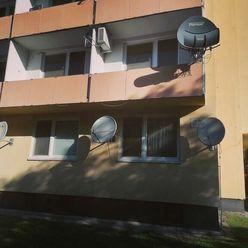 Ponúkame na predaj krásny luxusný 2 izbový byt na ul. Malá Jarková vKomárne