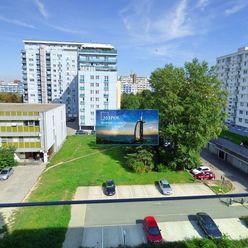 3-izbový byt Nevädzová ulica (Retro), parkovacie státie.