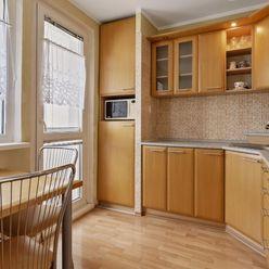 Priestranný 3 izbový byt s ľahkou dostupnosťou do centra, Petržalka