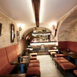 Territory real- PREDAJ bar  v historickom centre Bratislavy