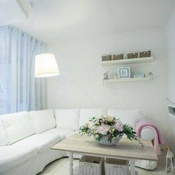 NA PREDAJ kompletne prerobený 2 izbový byt Nové Zámky