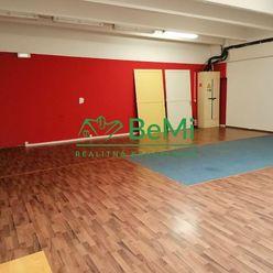 Na prenájom priestor 110 m2 na služby Banská Bystrica - Zvolenská cesta (ID-472-27-ZUS)
