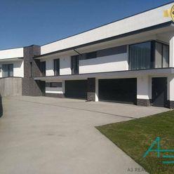 MS261 Rodinný dom pred dokončením v Oščadnici (7+1) s 2 dvoj garážami.
