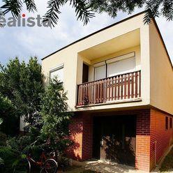 REZERVOVANÉ - Zariadený 5-izbový rodinný dom s garážou a veľkou záhradou - Zlaté Klasy