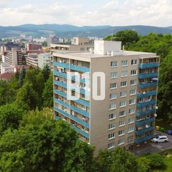 Priestranný 3i byt v CENTRE s jedinečným výhľadom!