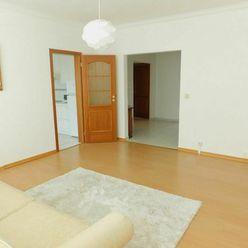 Kompletne zrekonštruovaný byt s lodžiou vo výbornej časti Petržalky, blízko centra, znížená cena