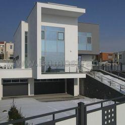 Luxusná vila 570 m2 na pozemku 800 m2 na prenájom v lokalite Bratislava Koliba