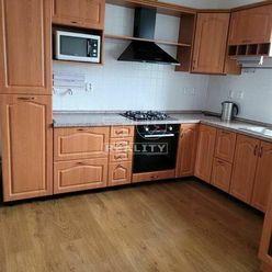 Na predaj je 3-izbový byt v Záturčí o rozlohe 76m2.