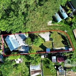 REALITY COMFORT - záhradná chatka s pozemkom 276 m2 priamo pod lesom
