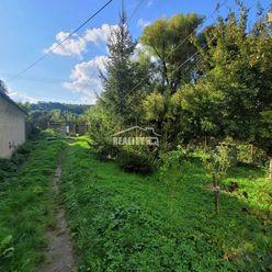 Starší rodinný dom v obci Hrachovište