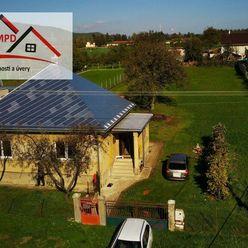 DMPD Real Vám ponúka na predaj starší bungalov v Čereňanoch.