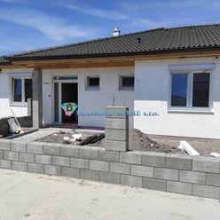 DIAMOND HOME s.r.o. ponúka Vám na predaj exkluzívny 4izbový rodinný dom (dvojdom) neďaleko od Dunajs