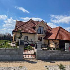 Rodinný dom(súkromná ulica)