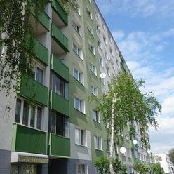 Pokojné bývanie pre RODINU v prostredí plnom zelene ? Plne zariadený BYT !
