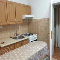 PREDAJ - 1 izbový byt v centre mesta - Nitra
