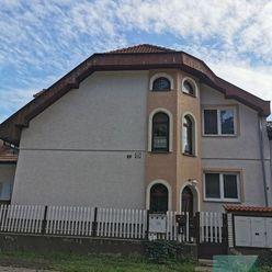 NA PREDAJ Bratislava II. - 4 izbový byt v rodinnom dome - vhodný na podnikanie - ul. Korytnická, Pod