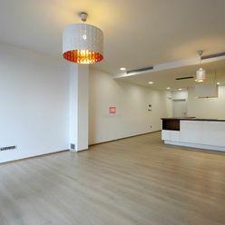 HERRYS - Na prenájom priestranný 4 izbový byt v novostavbe na Dunajskej ulici v historickom centre B