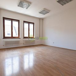 NA PRENÁJOM – Obchodné/Kancelárske priestory v centre mesta-Nitra