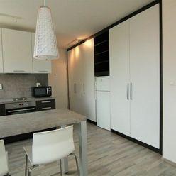 Krásny 1,5 izbovy byt s parkovacím miestom v Pezinku, na sídlisku Muškát