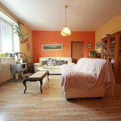 Piešťany - 3 izbový byt s 2  balkónmi a garážou - sídlisko JUH, Javorová ulica