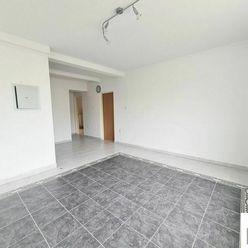 Predáme byt 4+1 + podkrovie so stavebným povolením, Žilina - Centrum,  V. Spanyola, R2 SK.