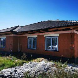 Ko-real, ponúkame na predaj novostavbu rodinného domu typu bungalov.