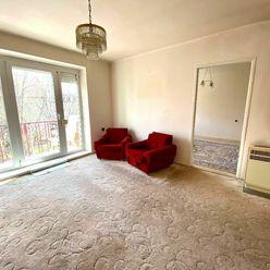 Neprehliadnite - Tehlový 2i byt s komorou a balkónom v centre Senca - Nám. 1. mája