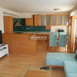 HALO reality - Prenájom, trojizbový byt Trnava, Študentská ul., s parkovacím miestom