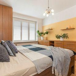 Na predaj priestranný a slnečný 2-izbový byt v Bratislave - m.č. Staré Mesto