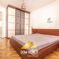 DOM-REALÍT ponúka 3 izbový byt v Centre mesta Senec
