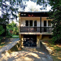 Rodinný dom s garážou + Lukratívny pozemok vo vyhľadávanej časti BA Vrakuňa