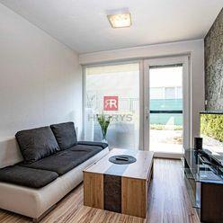 HERRYS - Na predaj útulný 2 izbový apartmán v novostavbe s predzáhradkou a parkovacím státím
