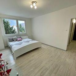 V exkluzívnom zastúpení majiteľa ponúkame na predaj 1 izbový  byt na Nejedlého ulici v Bratislave.