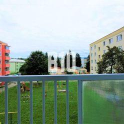 Rezervované - CENTRUM MESTA MARTIN, ul. M. R. Štefánika, 3 izbový  byt, 69m2 + loggia