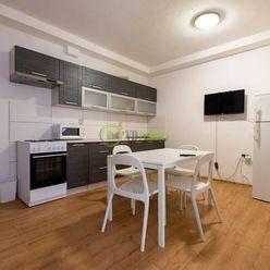 Prenájom, 3-izbový byt s vlastným dvorom, Nitra - centrum