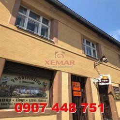 Na predaj budova s dvomi 4i bytmi  a pivárňou v historickom centre, Kremnica