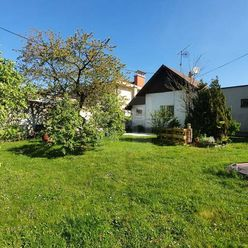 Directreal ponúka Starší rodinný dom so zaujímavým pozemkom o výmere 1077 m2 v lukratívnej časti Sta