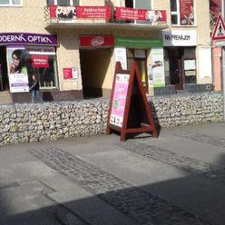 Prenájom  priestoru v centre Trenčína s parkovanim