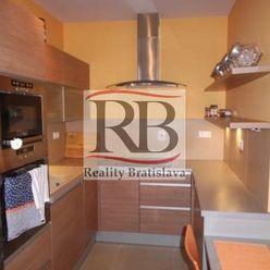 Na prenájom nadštandardne zariadený, klimatizovaný 2 izbový byt na Budatínskej ulici v Petržalke