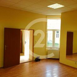 PRENÁJOM - kanceláriske priestory 52 m2 Košice-Staré Mesto. NÁJOMNÉ ZA POLOVICU