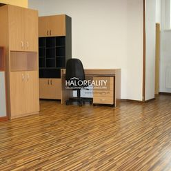 HALO reality - Prenájom, kancelársky priestor Košice Juh, plus parkovacie miesto