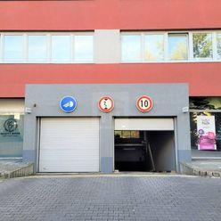 Directreal ponúka Samostatná garáž v podzemnej garáži v novostavbe na Tomášikovej ulici